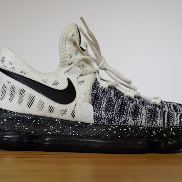detailed look 626f1 af176 Nike Zoom KD 9 GS 'Oreo' 855908-100 Size 6Y.... - Depop