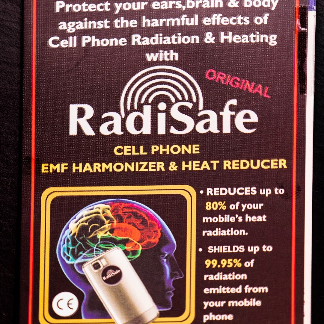 How Much Emf Does A Cell Phone Emit