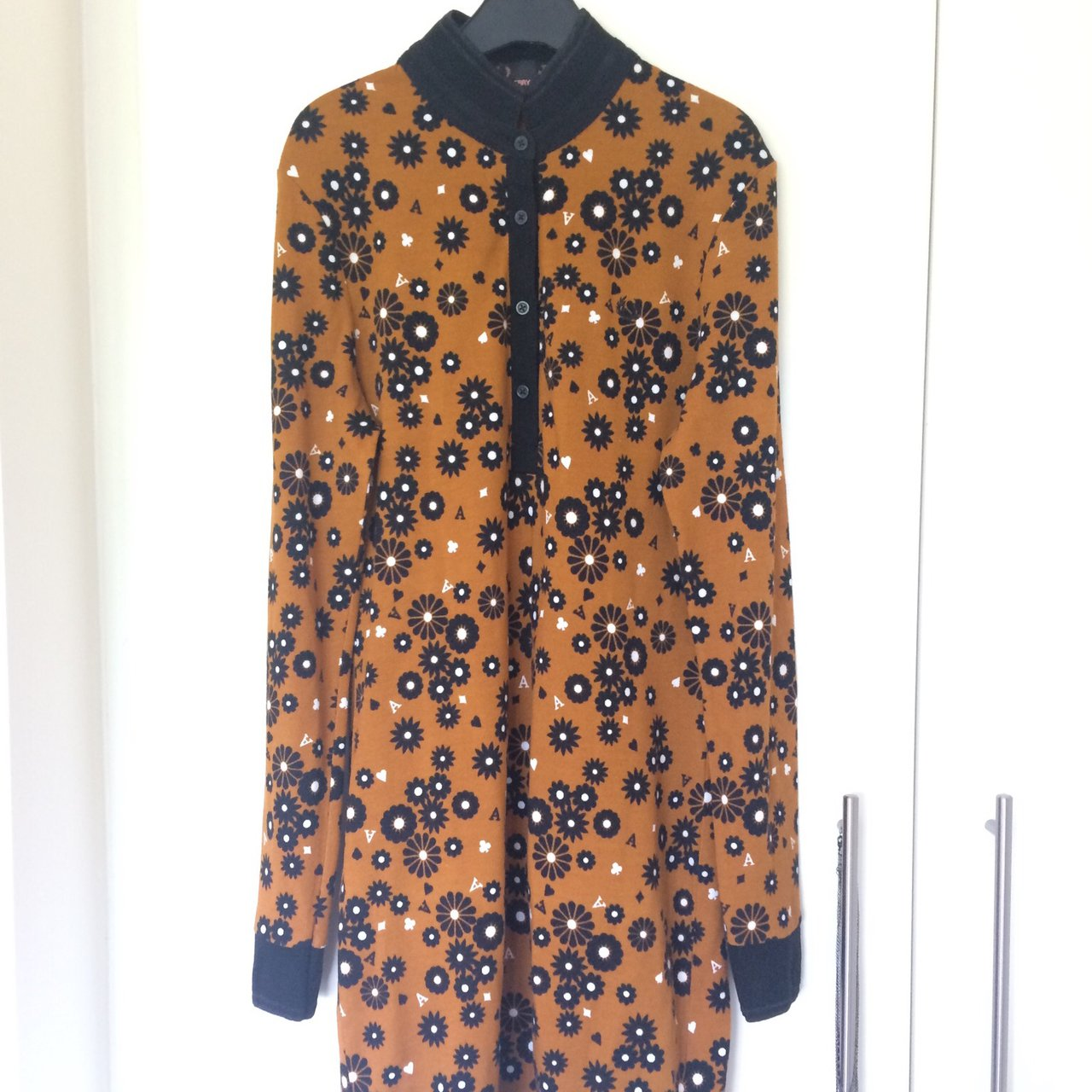 0f8a04342 Authentic Fred Perry x Amy Winehouse Daisy Print Ginger and - Depop