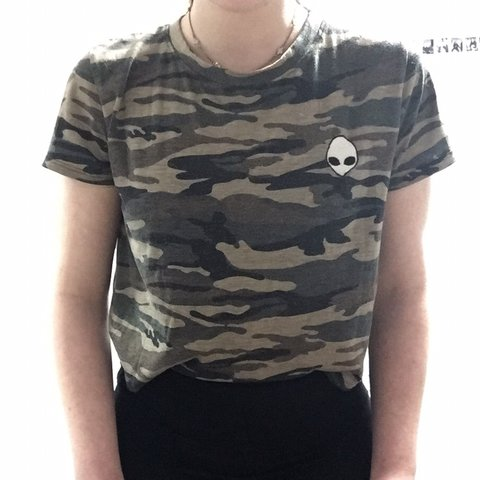 888d0e50144 90s Camouflaged crop top with alien patch on the front ~ ~ - Depop
