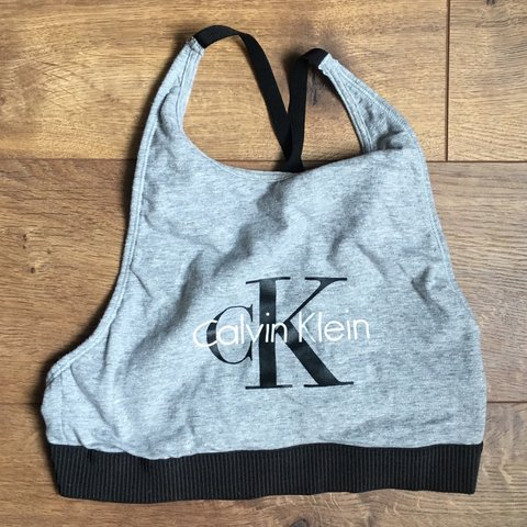 93d08ba5988 SPARKLY CALVIN KLEIN SPORTS BRA🌟 small barely noticeable on - Depop