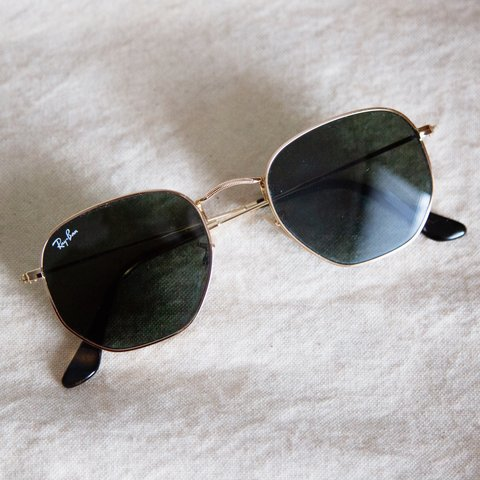 ef855ee59 @anniedreyer. 4 months ago. New York, United States. Ray-Ban Hexagonal Flat  Glasses — Gold/Green Classic ...