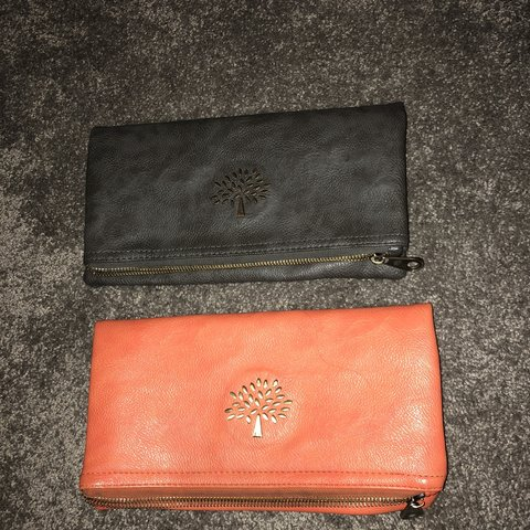 cee91aee9d @louisesalo_x. 8 months ago. Chelmsford, United Kingdom. MULBERRY CLUTCH  BAGS These are fold over.