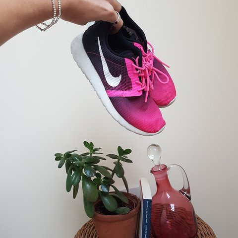 b9bebb23ade0a 🍉 super comfy roshe run trainers or sneakers. Colour - to - Depop