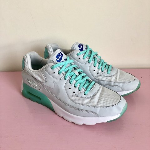 fc7c07e1c0 @catseyes_shop. 3 days ago. United Kingdom. Women's Nike Air Max trainers UK  size 5.