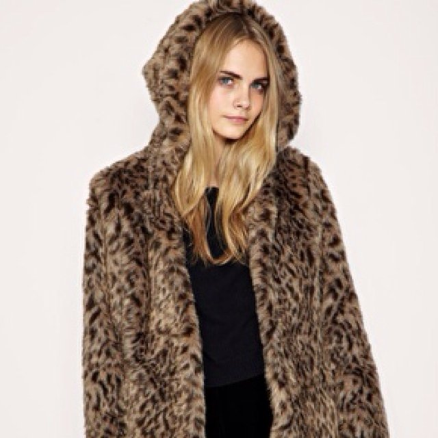 dfc084a36af5 @hk09. 5 years ago. Bray, Ireland. ASOS faux fur leopard coat with hood. RRP  €107 ...