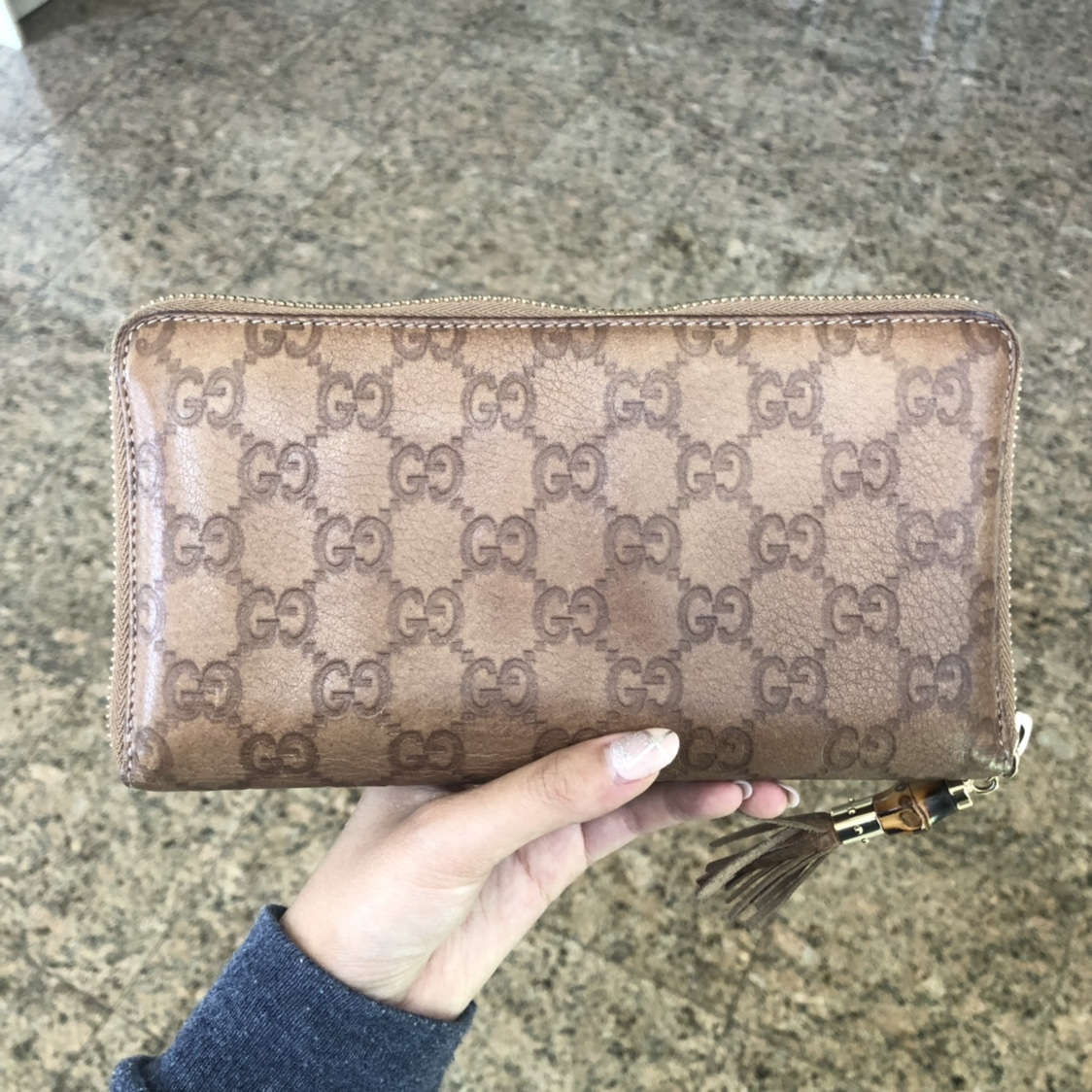 c3f9e051 Authentic Gucci Large Logo Leather Wallet with... - Depop