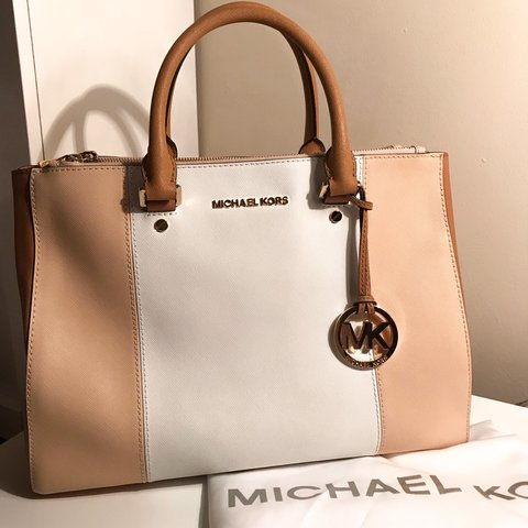 fa5383249aa4 Nude White Peanut Michael Kors Sutton Large Color-Block new. - Depop