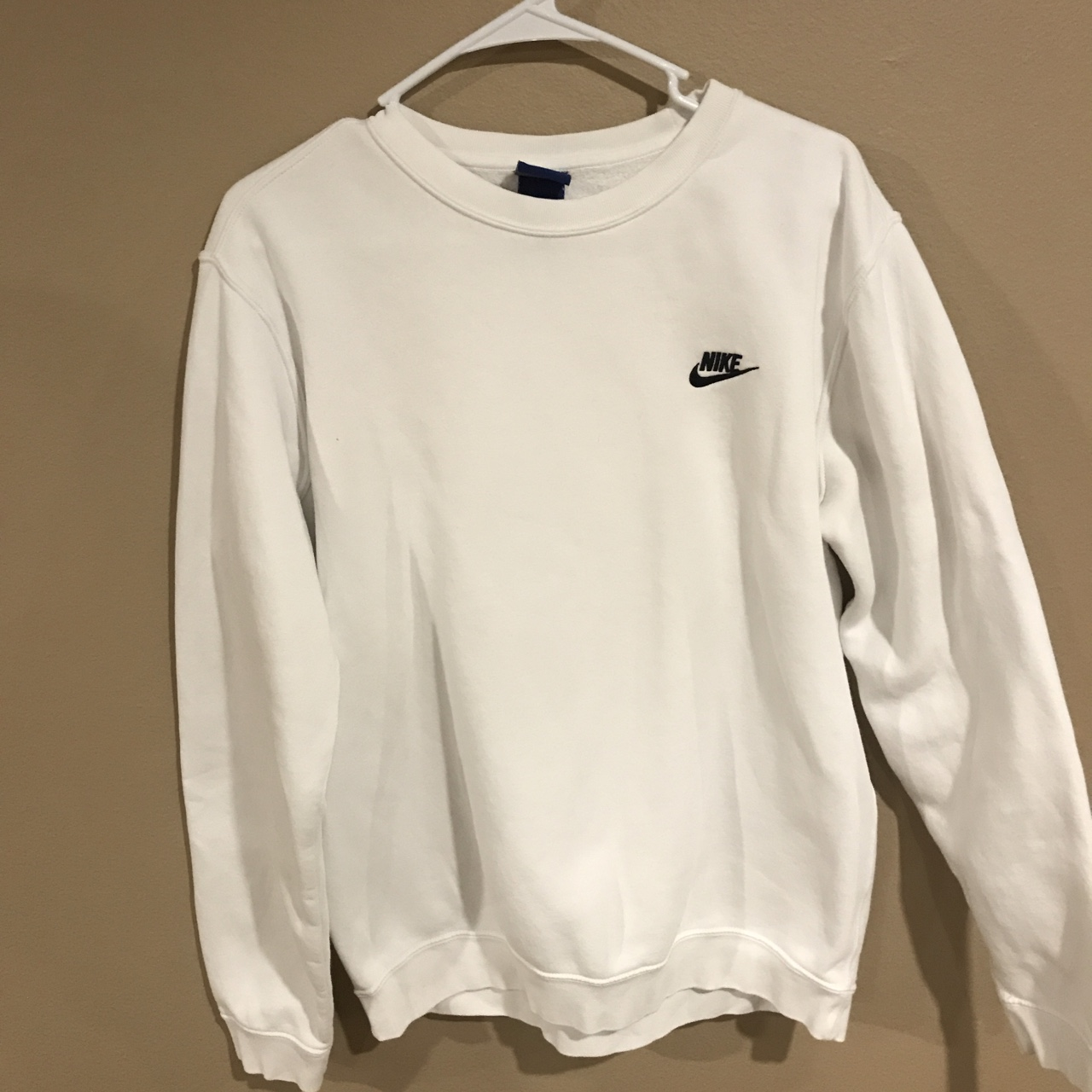 White nike crewneck worn only a handful of times.... - Depop