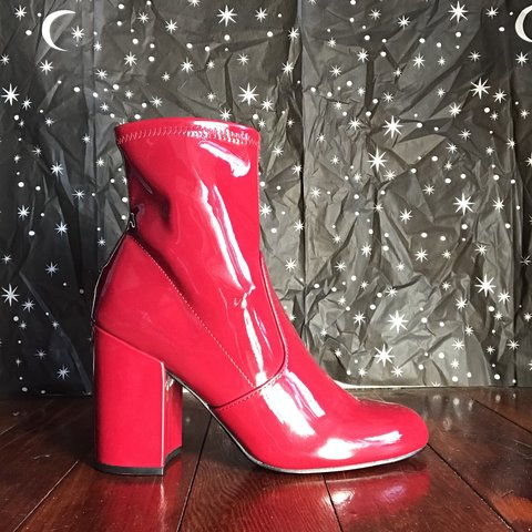 35f5e1d477a Steve Madden Red Gaze ankle boots. Worn once