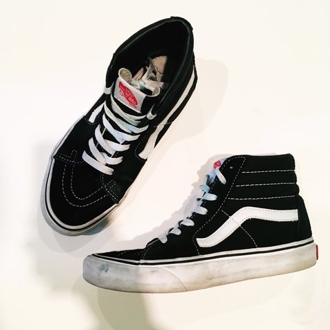 1471b1cf384568 Used classic Vans Sk8-Hi Black   White Skate Shoes. They are - Depop