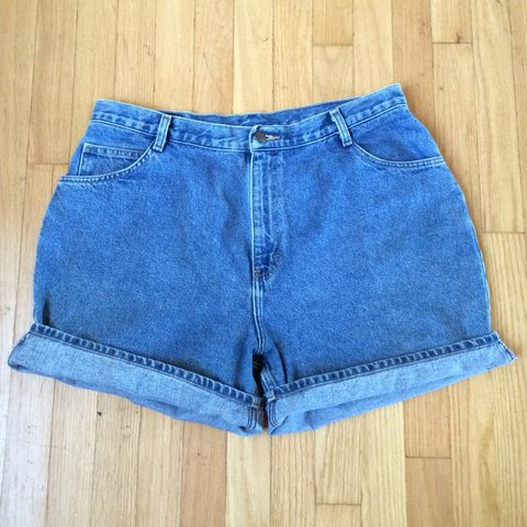 a11a5798b72 Vintage 90s Plus Size High Waist Jean Shorts. Size XL. Wear - Depop