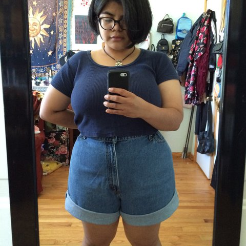 1dd262c6da4 Vintage 90s Plus Size High Waist Denim Mom Shorts by Levi s. - Depop
