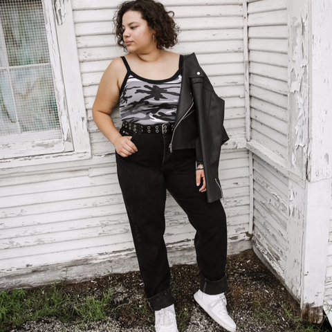 330d39a88bc Vintage 90s Plus Size High Waist Tapered Leg Black Denim Mom - Depop