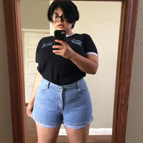 e4910ea2acc Vintage 90s Plus Size High Waist Light Wash Denim Shorts by - Depop