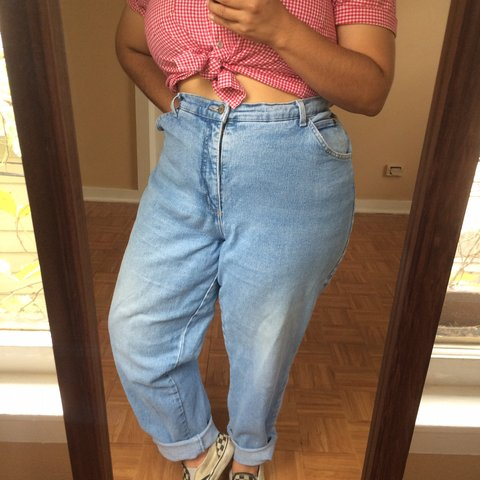c57800c5bfb Vintage 90s Plus Size High Waist Light Wash Stretchy Denim - - Depop