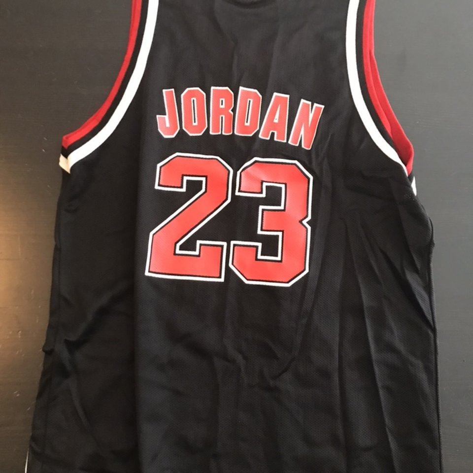 new product a4a23 efd65 Champion #23 Michael Jordan Chicago Bulls youth... - Depop