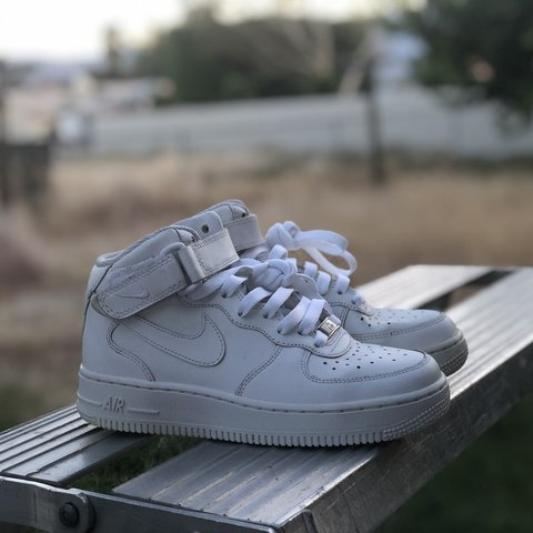 c92e8ca574225 White Nike air force 1. Size 3.5 in kids fits a size 4 in a - Depop