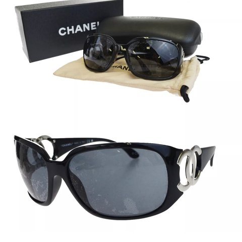 72277f77f60985 Chanel CC Logos Sunglasses Black New items are added all I - Depop
