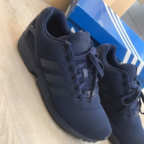 898303134 Adidas ZX Flux Size 8.5 (could fit 8) trainers Navy blue