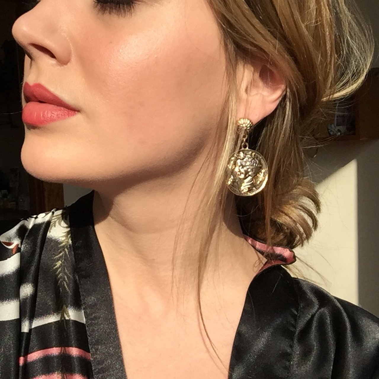 18cfe851f @victorialauren. last year. Chicago, United States. Gold Roman coin earrings.  Light weight.