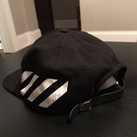 626f6f30 100% Authentic Off White Hat. Purchased from Saks Fifth - Depop