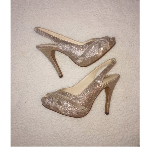 3bba14ab79a0 @chrissychlap. 20 days ago. St. Charles, United States. Cute silver, sparkly  heels. Only worn once!