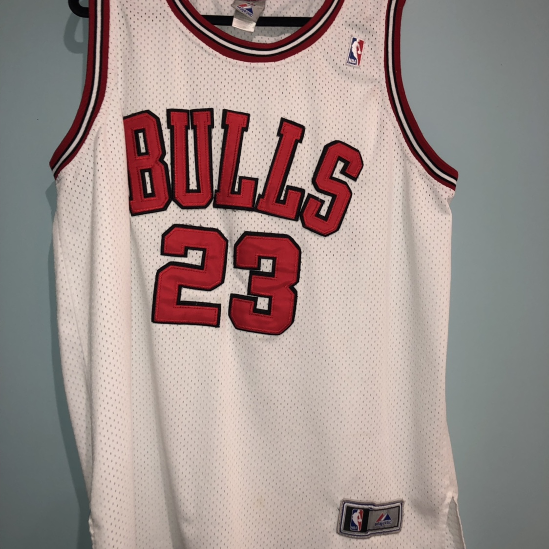 outlet store 5235f 905f2 Men's XL Michael Jordan Chicago Bulls Jersey Looks... - Depop