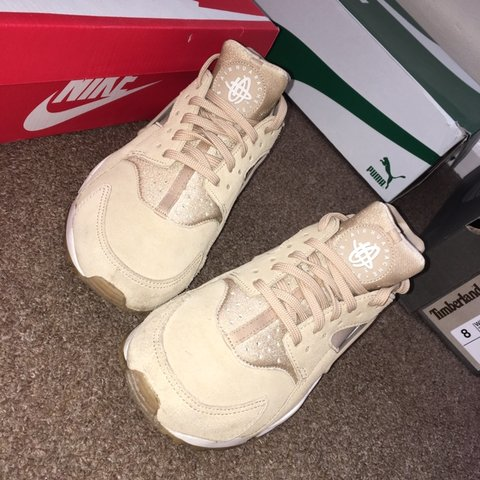 d747637b86fb Nike Air Huarache women s size 6 Very good condition Only a - Depop