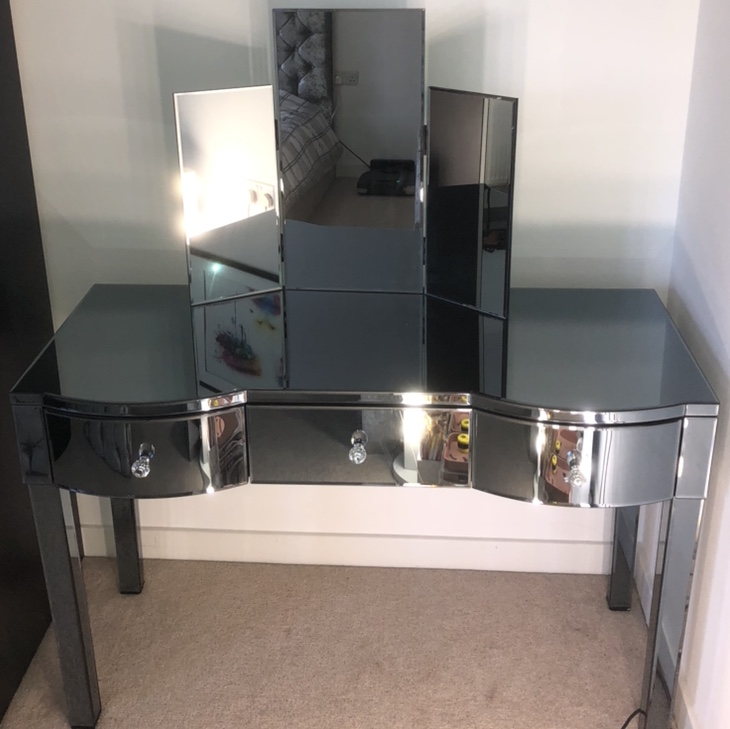 Smoke Mirrored Makeup Dressing Table With 3 Large Depop