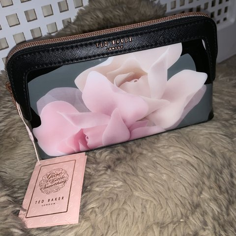 bc4263968 @xfleurbaker. 2 months ago. Southend-on-Sea, United Kingdom. Ted Baker  black and pink flower cosmetic makeup bag. Brand new, never ...