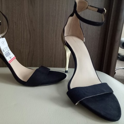 3754719ebb12  teamrumina. 2 years ago. United Kingdom. Zara black   gold heels size ...