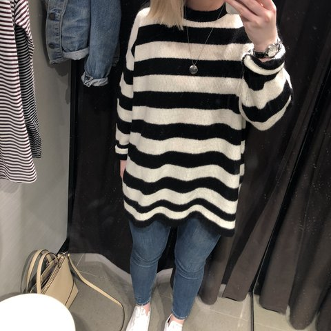 3d3ca14b60 Oversized black and white striped Zara jumper