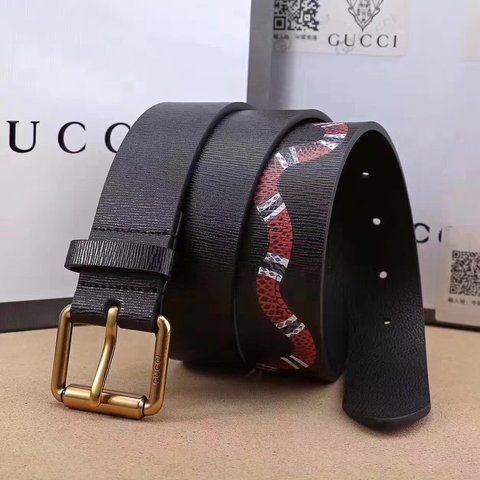 8c62221ddc0 GUCCI Leather belt with Kingsnake print ORIGINAL PRICE- AND - Depop