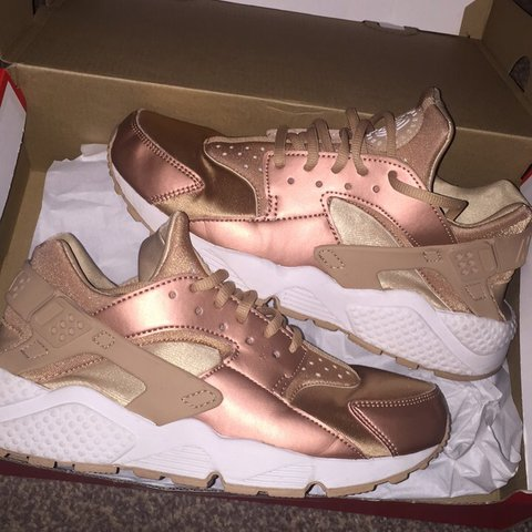 2c5b94d28c30 Nike Huarache metallic bronze rose gold trainers Size UK a - Depop