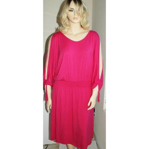 ee4819cfa83 Plus Size 4X 26 28 Hot Pink cold shoulder cutout stretch 5% - Depop
