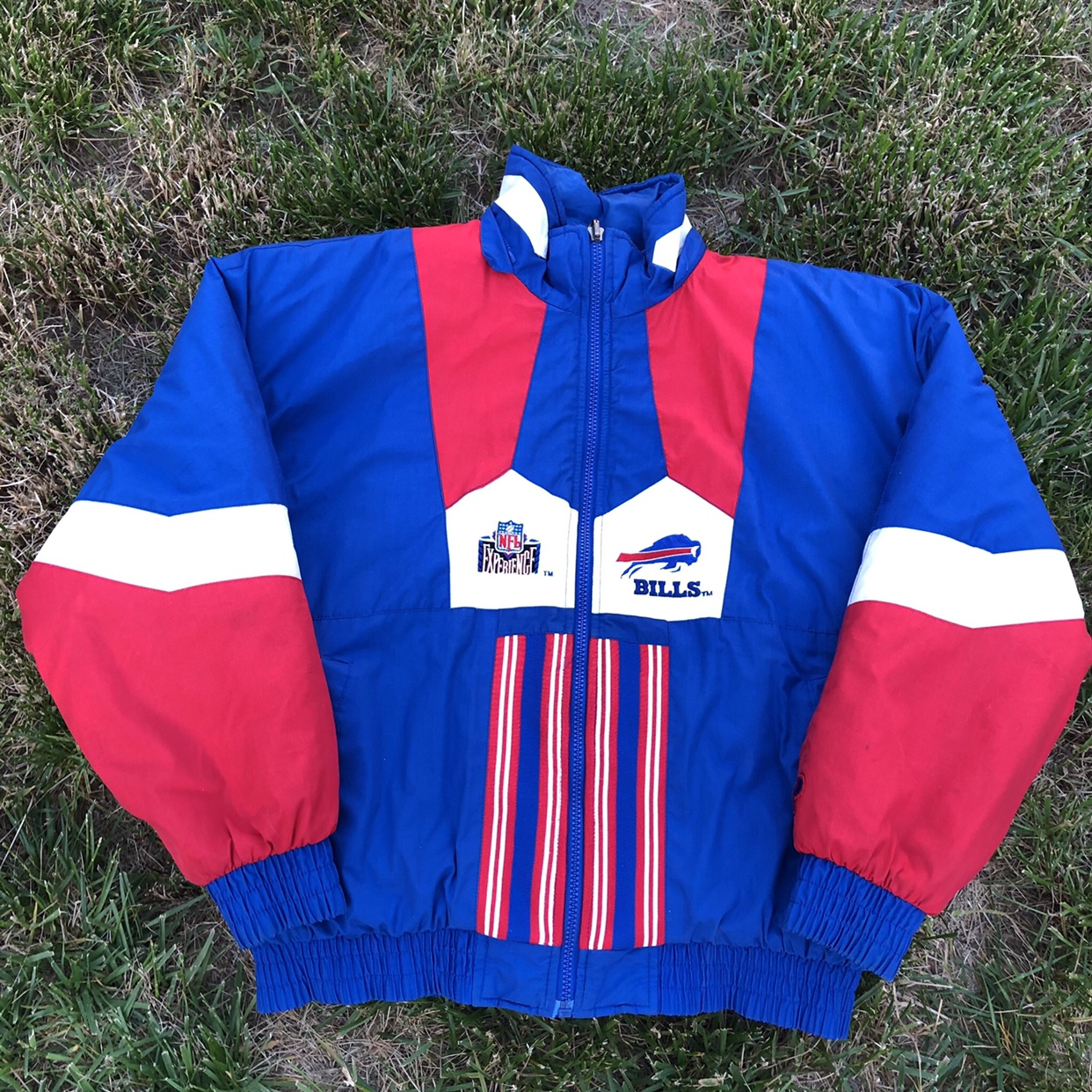 78672401 Vintage Buffalo Bills Windbreaker Puffer Jacket NFL... - Depop