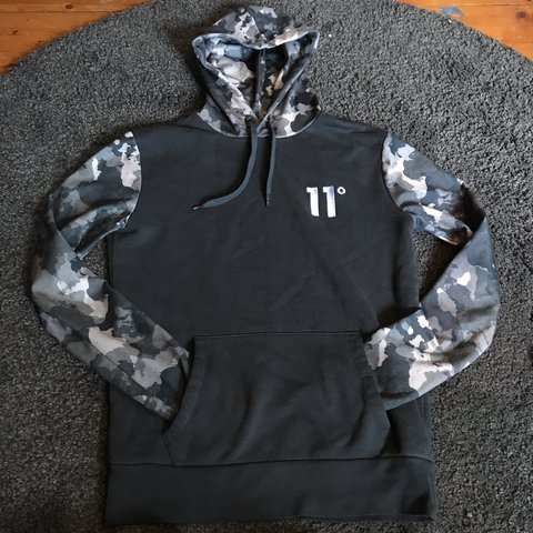 11 Degrees camo and green hoodie - really comfy and soft - - - Depop f5642bcdb081