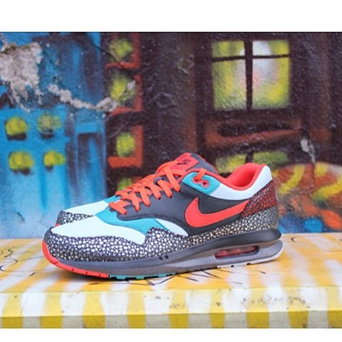 buy popular 960d5 e72be  glocatelli. 4 years ago. Milano, Italia. Air MAX LUNAR1 DELUXE QS - NIKE  ...