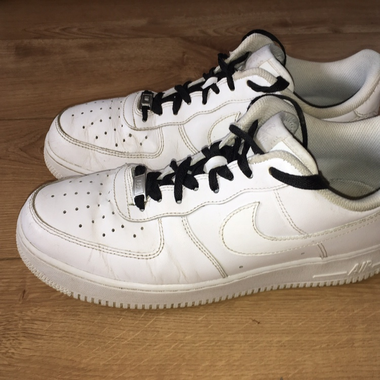 Nike Air Force One White with black or