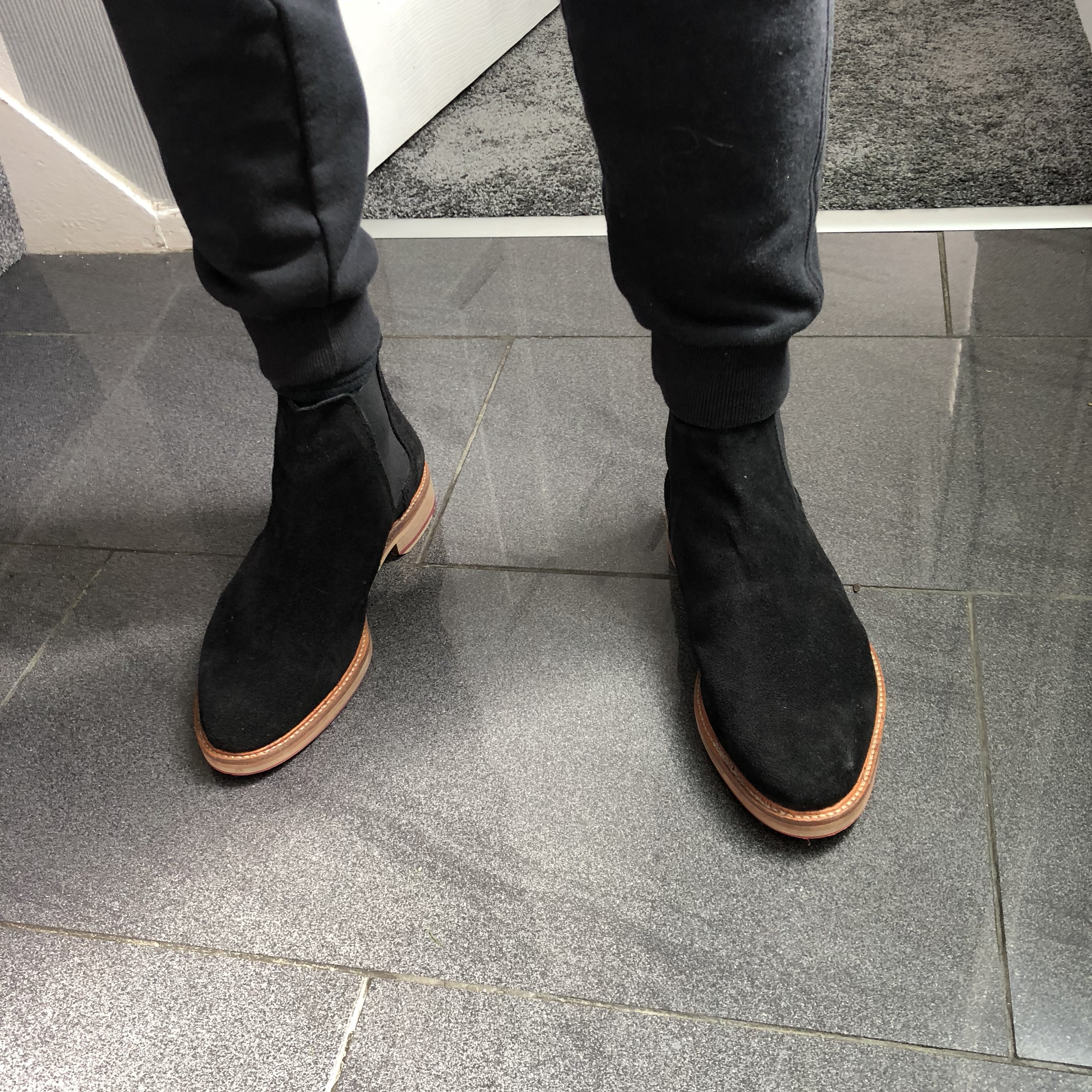 buy online f3ade 687b9 Black Chelsea boots with a brown rim on the sole,... - Depop