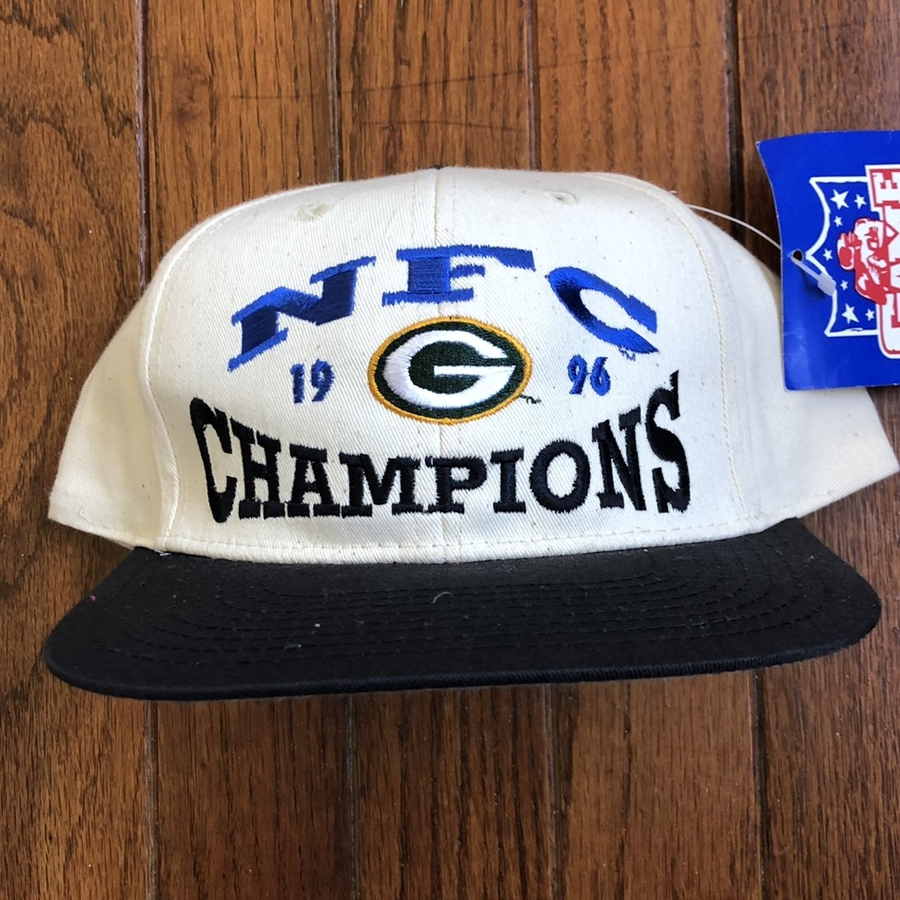 0ee374e6 @kapkingdom. 10 days ago. Douglassville, United States. Vintage 90s Deadstock  Green Bay Packers Champions NFL Snapback Hat Baseball Cap