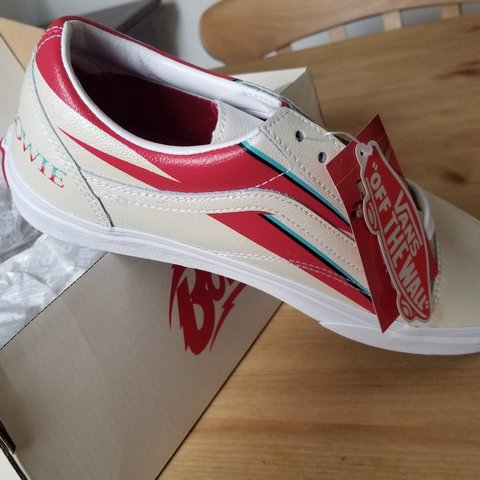 e0219a5c82 Vans x David Bowie old skool limited edition Aladdin Sane - - Depop