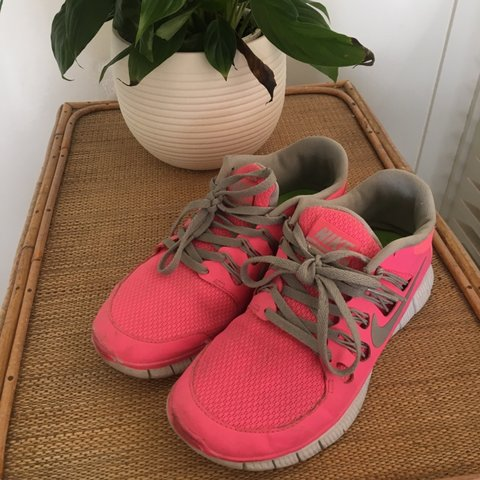 560616760a8 Bright pink Nike runners!! These are just a touch too small - Depop