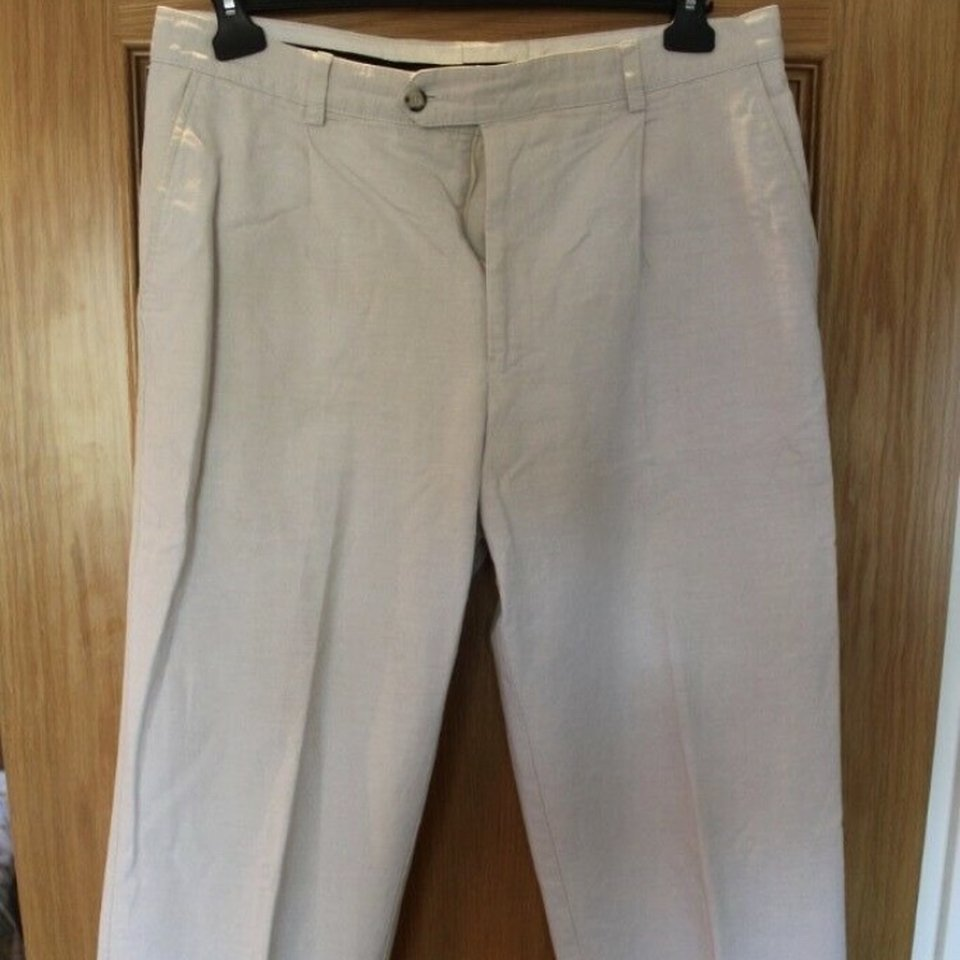 Men S Austin Reed Trousers 75 Cotton 25 Depop