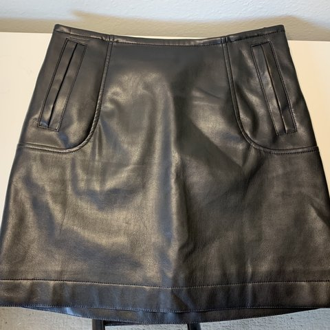 f1efac1f1e @brookemsanny. 5 days ago. Los Angeles, United States. H&M faux leather  skirt. Size 4 ...