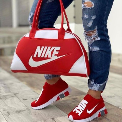 the latest 6c4f6 32eda Nike sneakers with matching bag.- 0
