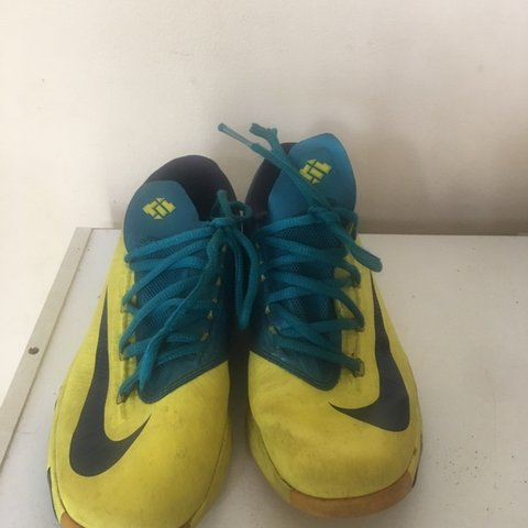 b6d4b80e81fa Nike KD boys shoes size 3.5 Y athletic Kevin Durant show but - Depop