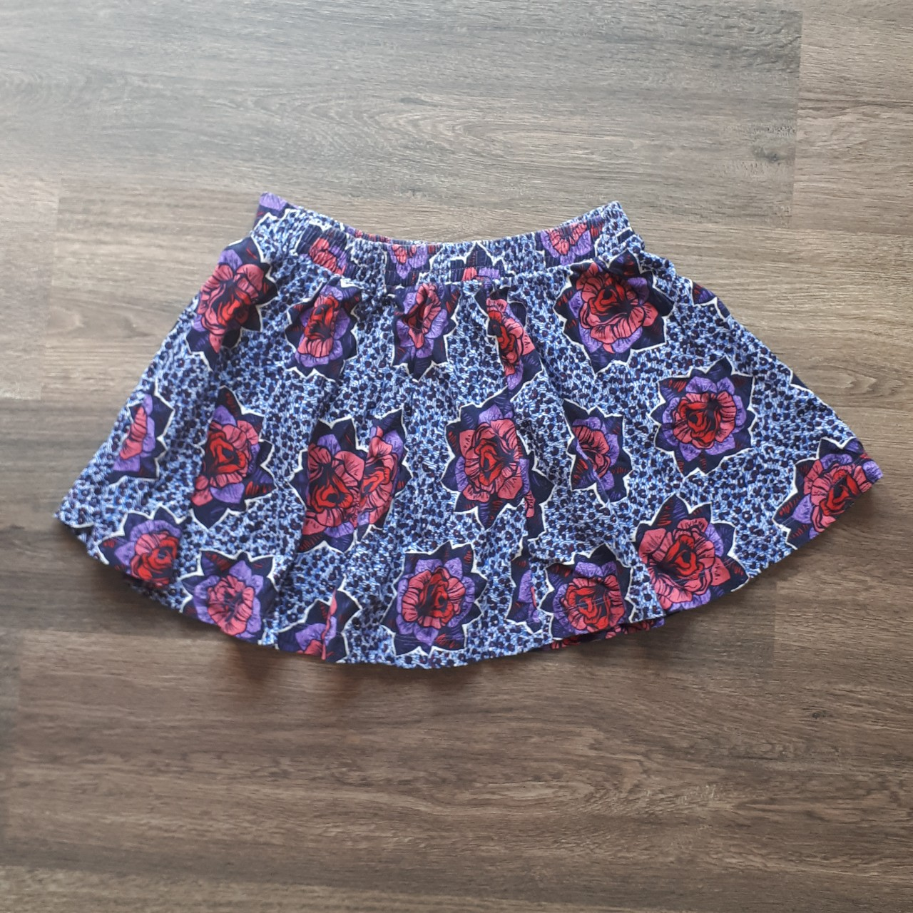 Zara cotton floral mini skirt. Super cute and Depop