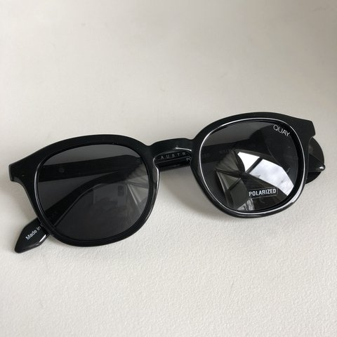 5f3154c25a BRAND NEW NEVER WORN QUAY walk on polorized. black frame go - Depop